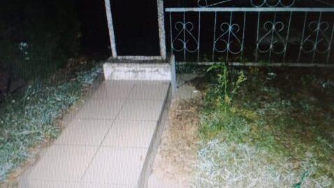 В Конотопе на кладбище изнасиловали 14-летнюю девочку