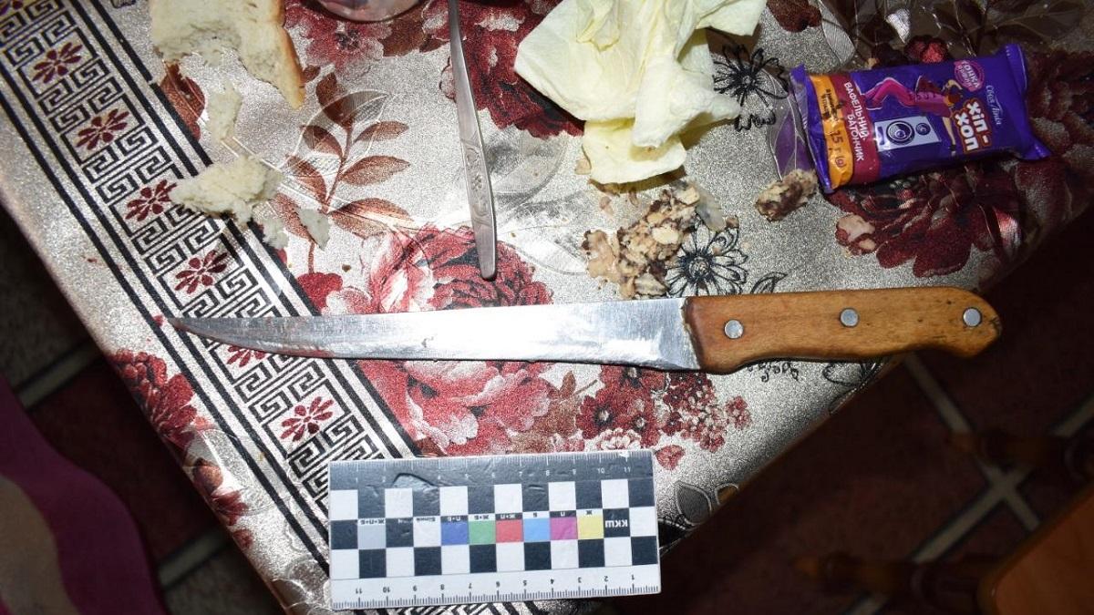 На Виннитчине мать зарезала сына на поминках (фото)