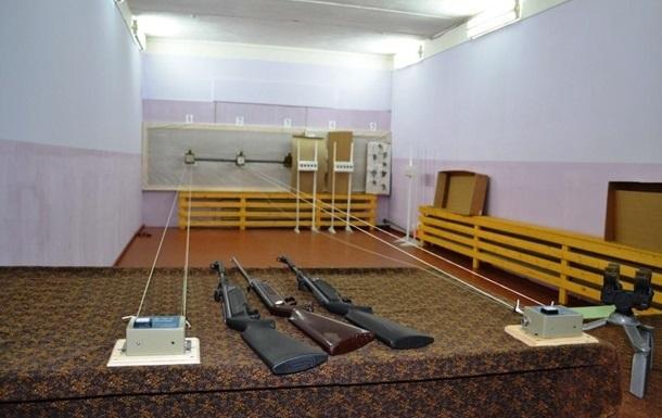 В Черкассах умер подросток после ранения в школьном тире