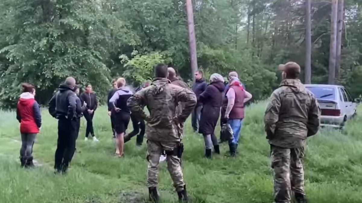 Сидел возле болота с собакой и плакал: найден 6-летний мальчик, потерявшийся в лесу под Черкассами (видео)