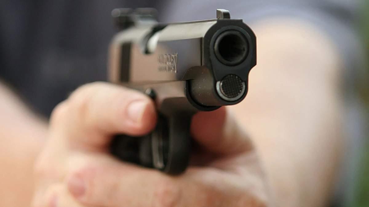 На Житомирщине 9-летнему мальчику выстрелили в спину: причастен военный