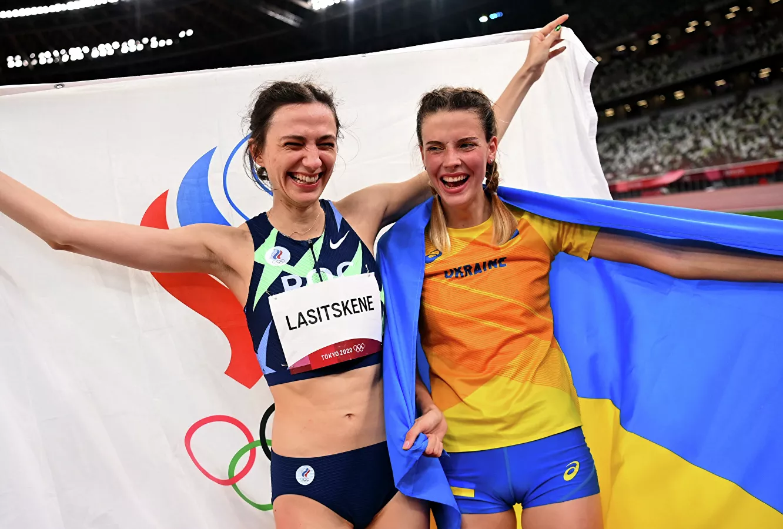 «Магуче обос..лась»: реакция соцсетей на оправдания Ярославы Магучих за фото с российской спортсменкой