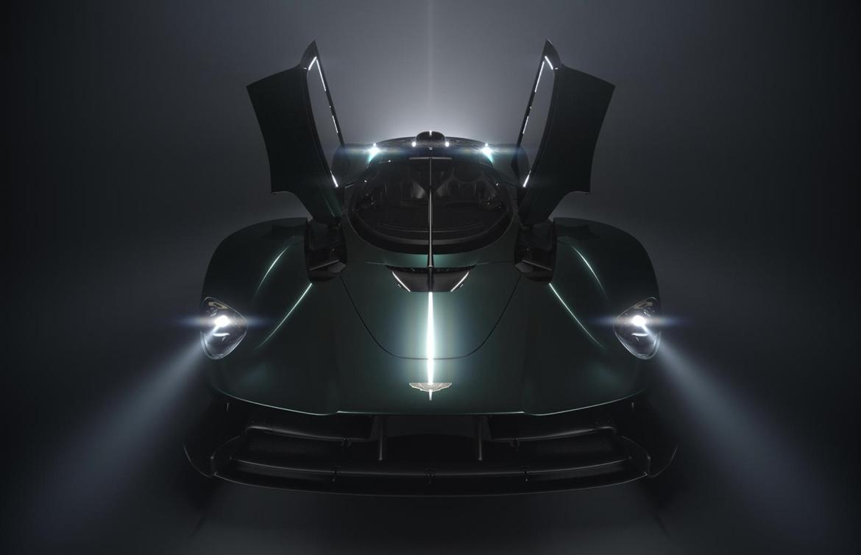 Страсть и эмоции: Aston Martin представил новый суперкар Valkyrie Spider (фото)