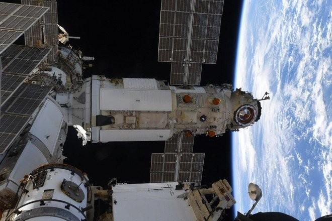 К модулю «Наука» на МКС впервые пристыковался пилотируемый корабль — Роскосмос (видео)