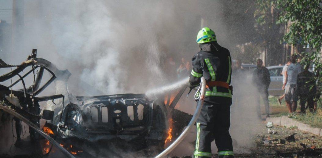 Теракт в Днепре: что известно о взрыве автомобиля и погибших людях