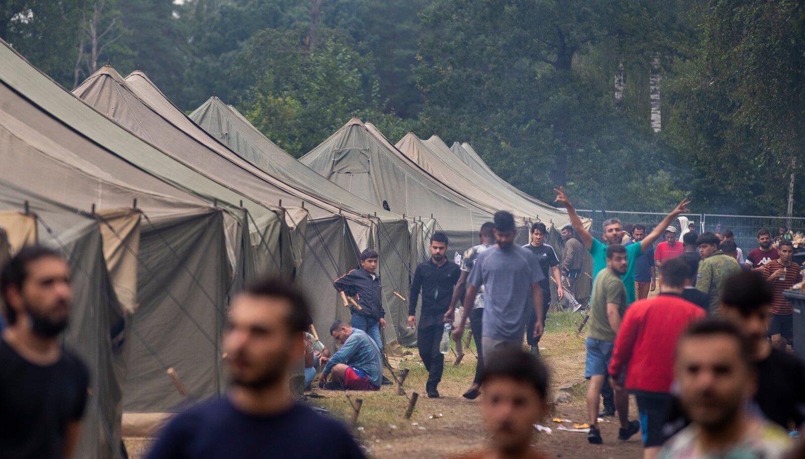 «Мы хотим в Германию»: в Латвии взбунтовались мигранты
