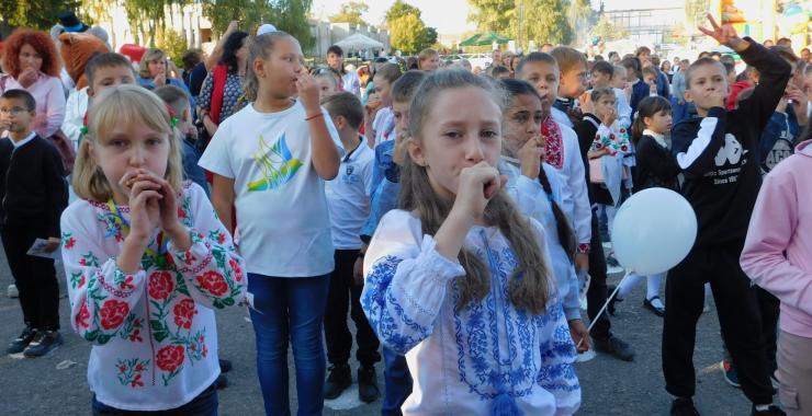 На Харьковщине установили национальный культурный рекорд по самому массовому и громкому свисту на свистульках