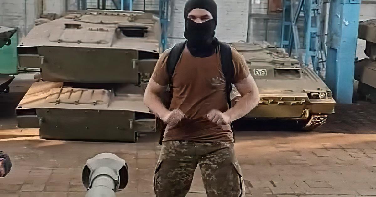 Блогеры проникли на харьковский военный завод и устроили танцы на САУ под песню о ЧВК «Вагнер» (видео)