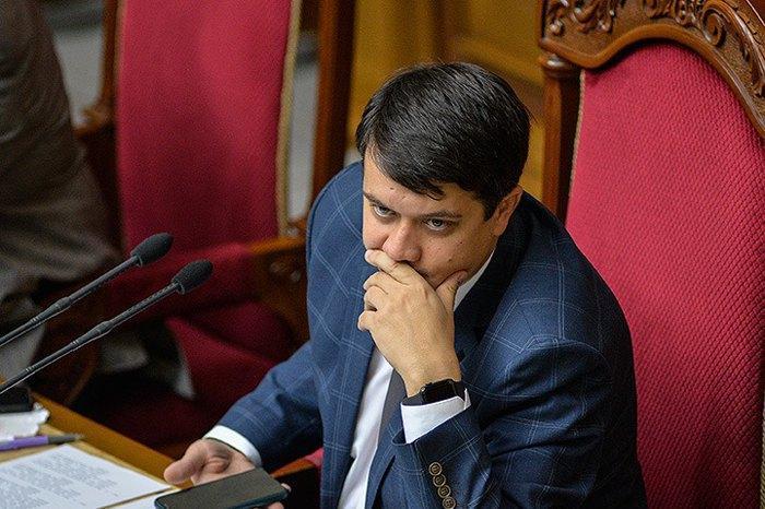 Критика Зеленского, «тайные шифры» и борьба за регламент: чем запомнился Дмитрий Разумков в кресле спикера ВР