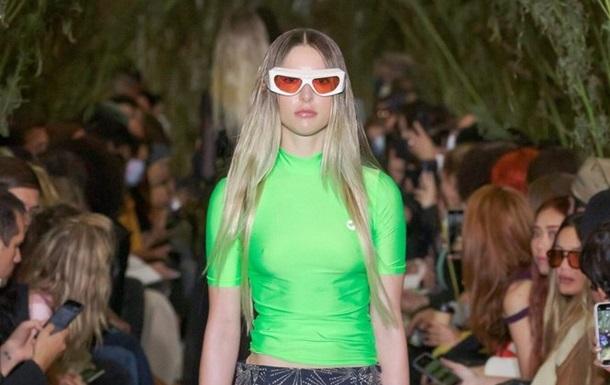 Дочь Стива Джобса дебютировала в качестве модели на Неделе моды в Париже (фото)