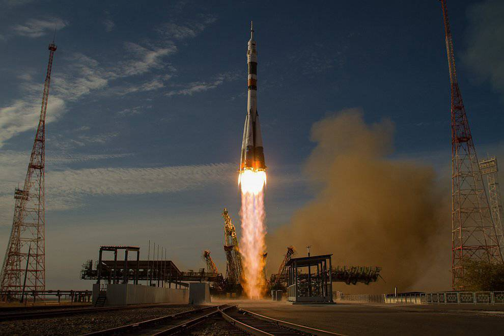 Макрон: Франция создаст многоразовые космические мини-ракеты