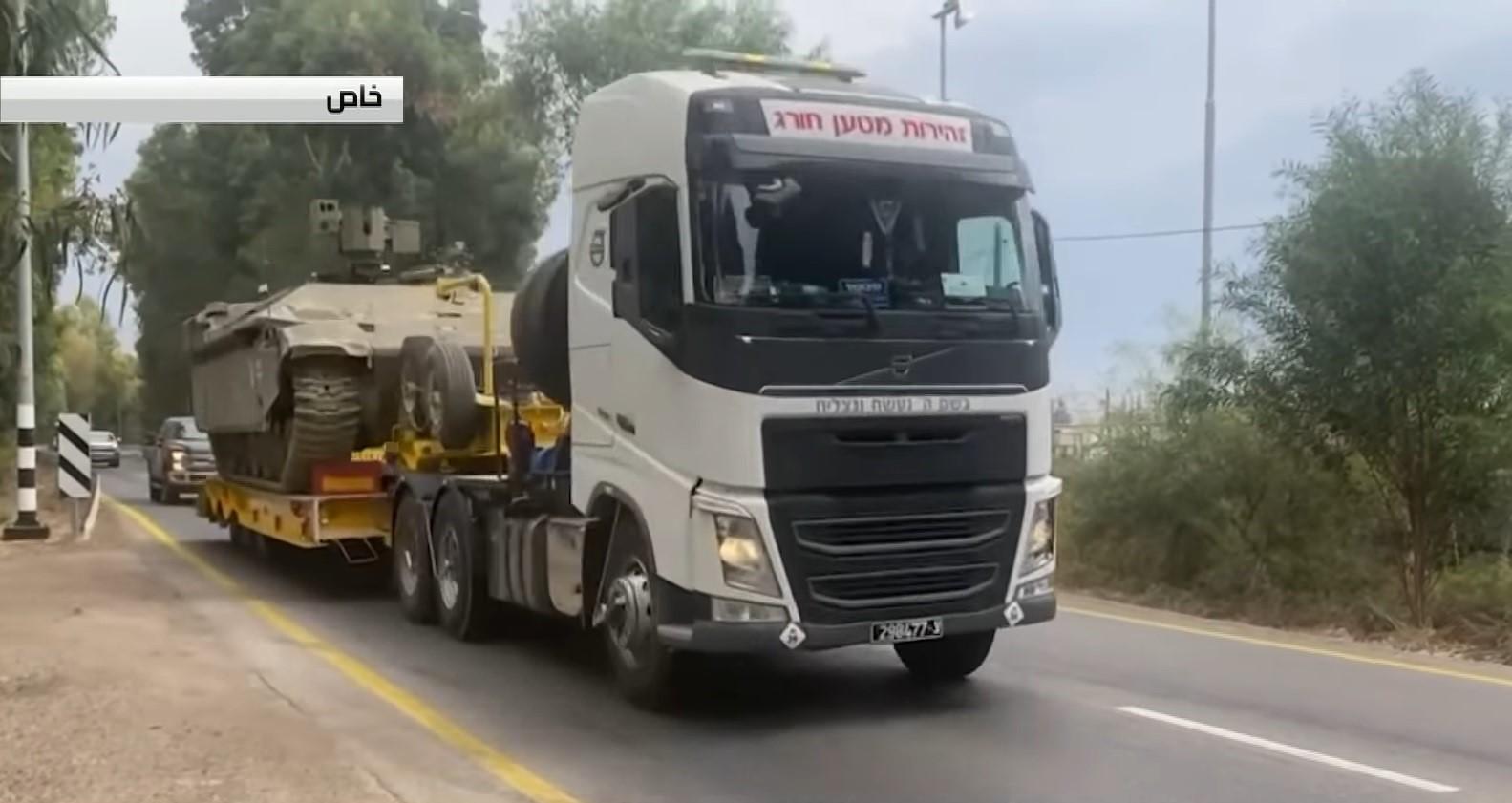 Израиль начал переброску бронетехники в район Голанских высот после того, как Сирия пообещала вернуть эти территории (видео)