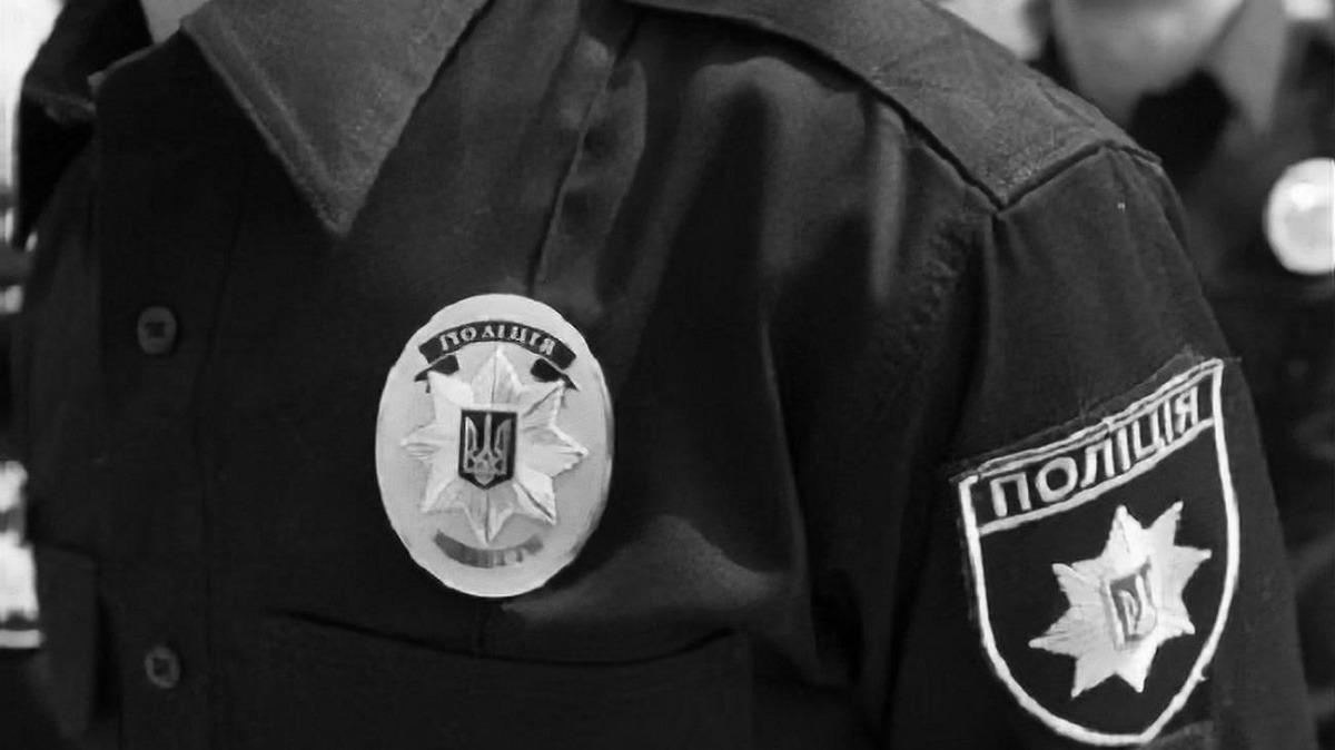 В Сети опубликовали видео избиения полицейских в Чернигове, один из них погиб (18+)