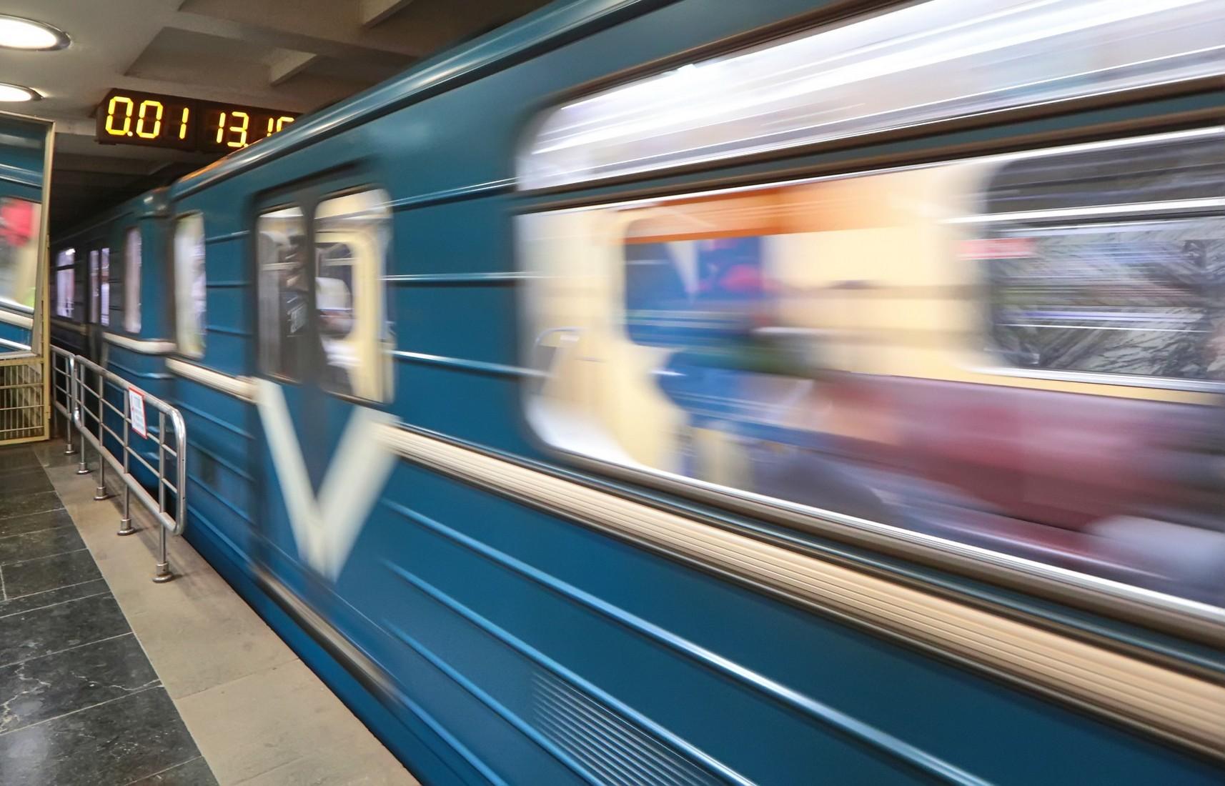 В Харькове машинист метро, не дожидаясь полиции, «разобрался» с хулиганом (видео)