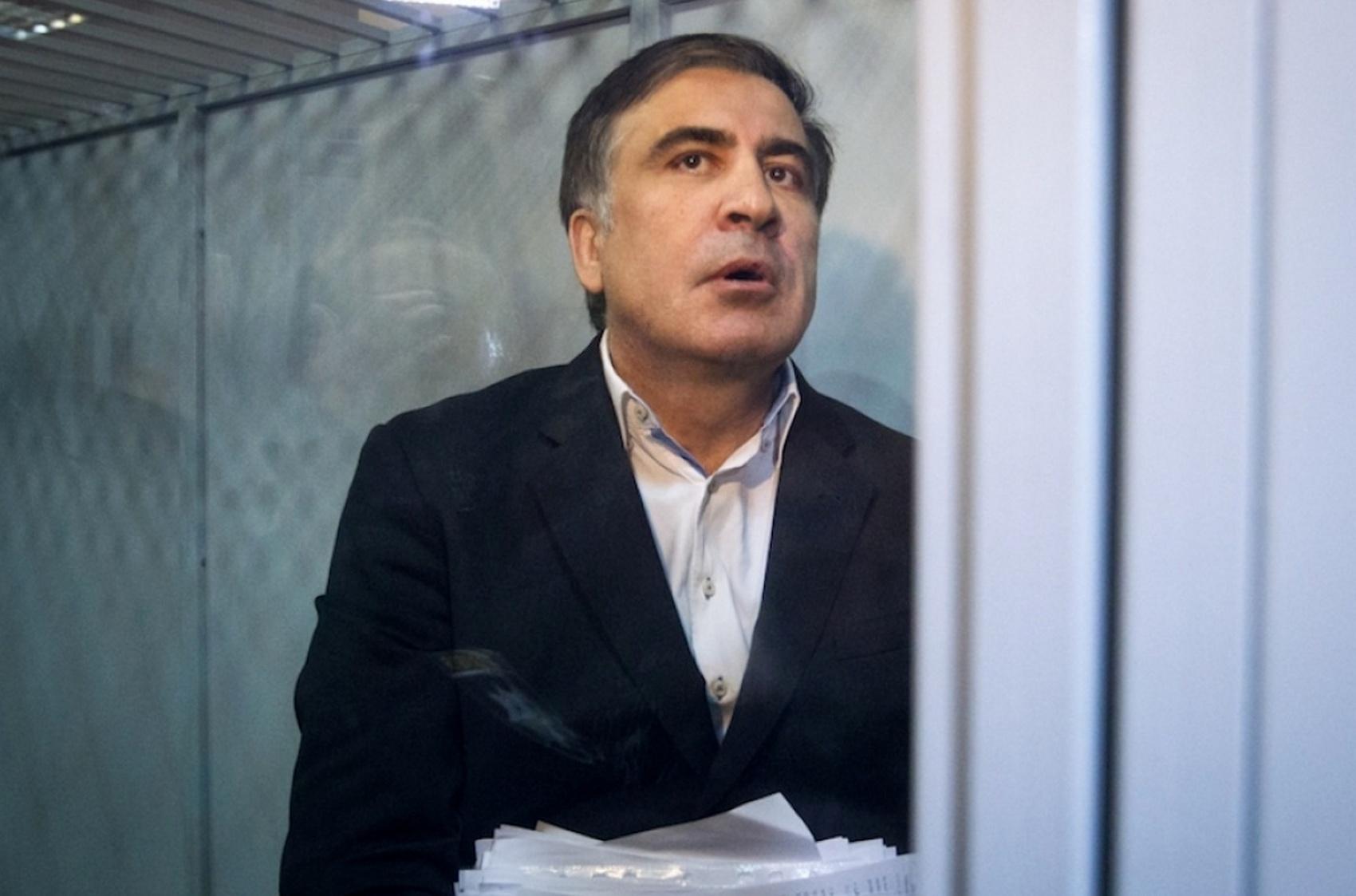 Саакашвили требует суда и обращается к международному сообществу