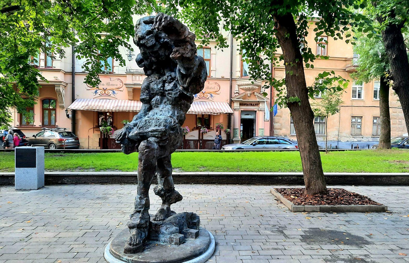 Петиция о демонтаже памятника Моцарту во Львове набрала необходимые голоса