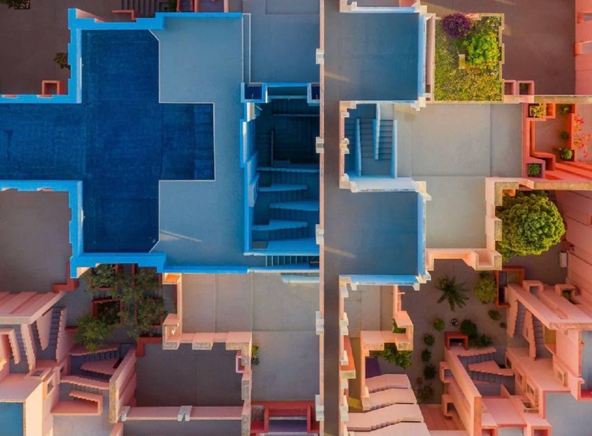 В Испании сдается в аренду дом, напоминающий декорации из сериала «Игра в кальмара» (фото)