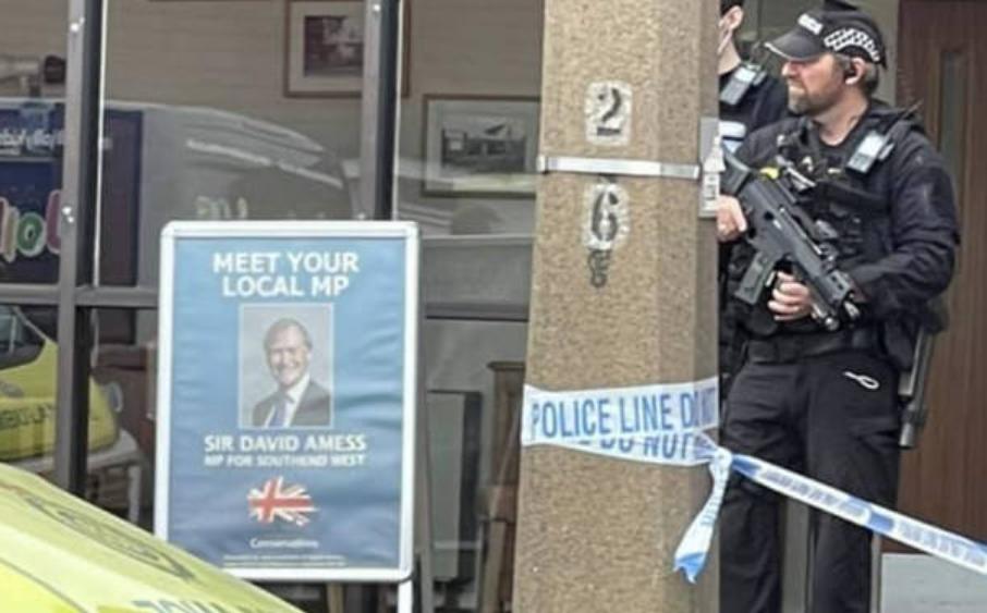 В церкви зарезали британского депутата-консерватора (фото, видео)