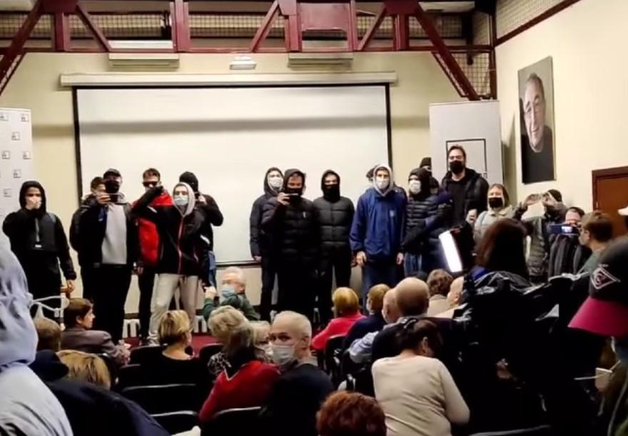 В Москве на офис «Мемориала» напали во время показа фильма о Голодоморе (видео)